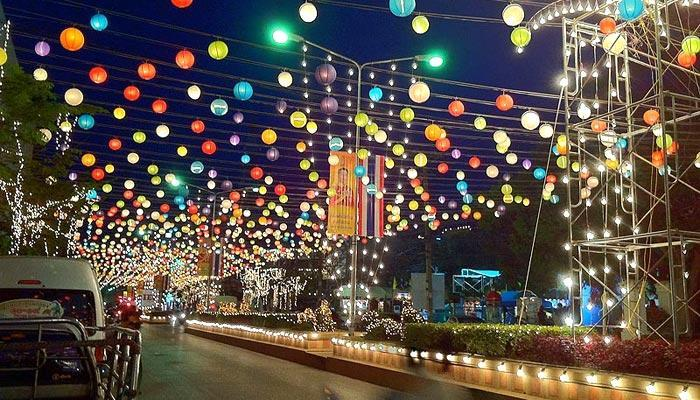 Street light decorations in Hua Hin during Christmas.