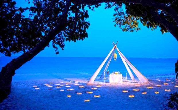 Romantic dining for 2 on Panwa Beach