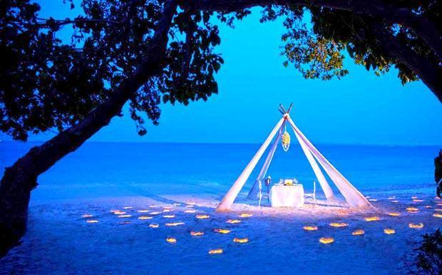 Romantic dining for 2 on Panwa Beach